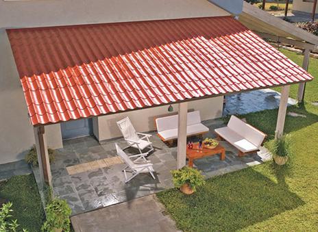 Pergola avec toiture en tuiles