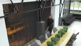 pourquoi choisir un store sur mesure conseils stores. Black Bedroom Furniture Sets. Home Design Ideas