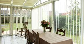 equiper les fen tres de sa maison pour une plus grande protection solaire conseils stores. Black Bedroom Furniture Sets. Home Design Ideas