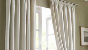 comment choisir son tissu pour des rideaux rideaux sur mesure stores. Black Bedroom Furniture Sets. Home Design Ideas