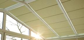 comment poser un store v lum au plafond d 39 une v randa